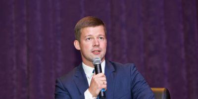 Глава Балашихи Сергей Юров поздравил женщин с Международным женским днем